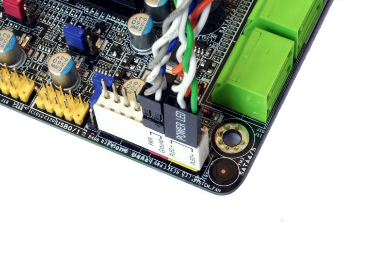branchement front panel carte mere Guide de montage PC : Installation des raccordements finaux