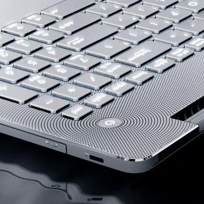 Blu-ray et clavier rétro-éclairé de l'Asus N550LF