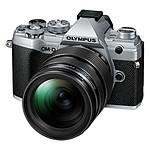 Olympus E-M5 Mark III Argent + 12-40 mm Noir