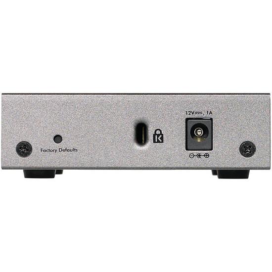 Switch et Commutateur Netgear GS105E v2 - Autre vue