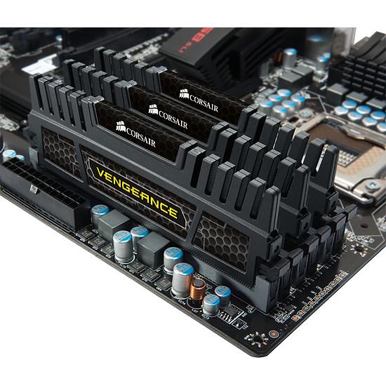 Mémoire Corsair VENGEANCE 3 x 4 Go DDR3 1600 MHz CAS 9 - Autre vue