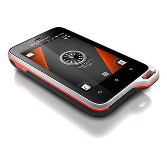 Smartphone et téléphone mobile Sony Mobile Xperia Active (noir/orange)
