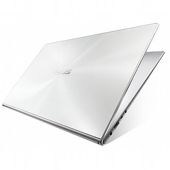 PC portable Asus Zenbook UX301LA-C4005H - i7 - SSD  - Full HD