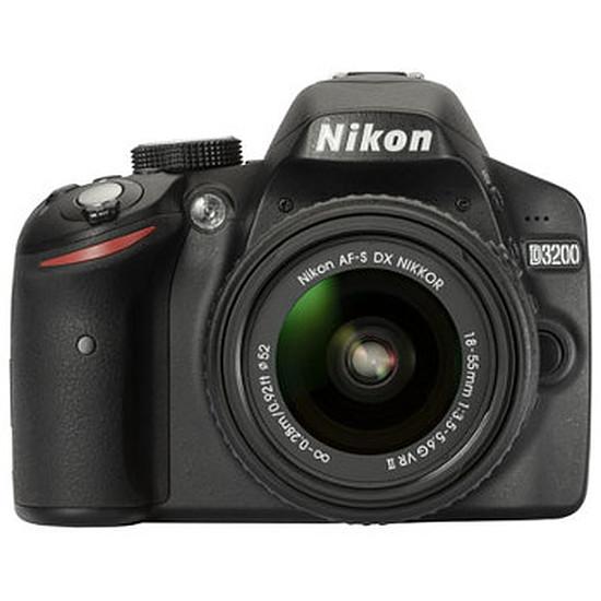 Appareil photo Reflex Nikon D3200 + AF-S DX 18-55 VR II