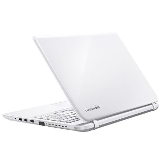 PC portable Toshiba Satellite L50-B-13D - i5 - 750 Go - Radeon R7