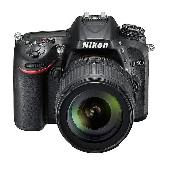 Appareil photo Reflex Nikon D7200 + AF-S DX 18-105 VR