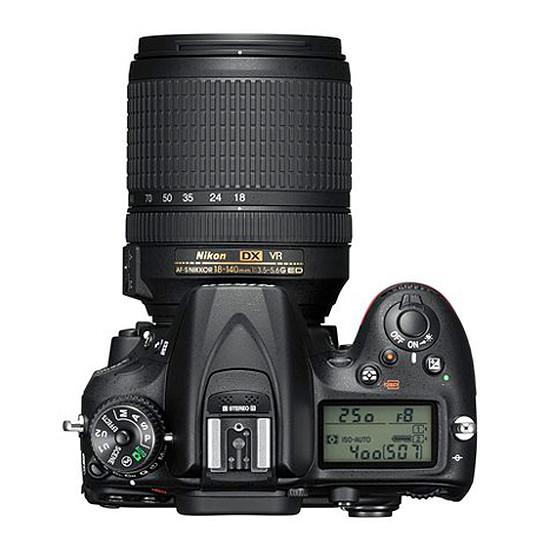 Appareil photo Reflex Nikon D7200 + AF-S DX 18-105 VR - Autre vue