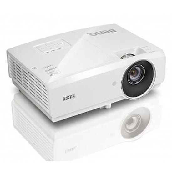 Vidéoprojecteur BenQ MH741 Full HD 4000 Lumens