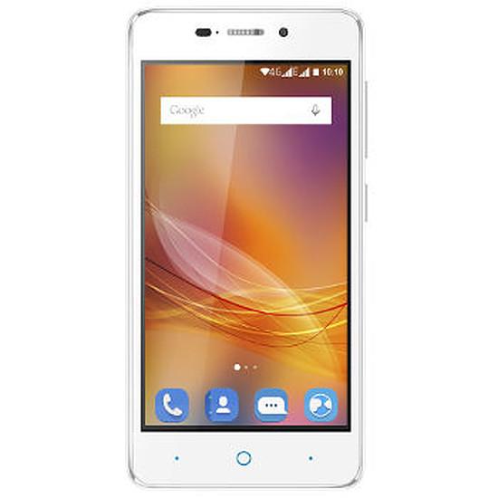 Smartphone et téléphone mobile ZTE Blade A452 (blanc)