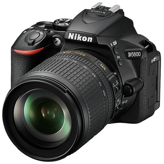 Appareil photo Reflex Nikon D5600 + AF-P 18-55 VR