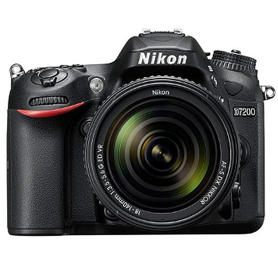 Appareil photo Reflex Nikon D7200 + 18-105 + Sacoche + SD 8 Go
