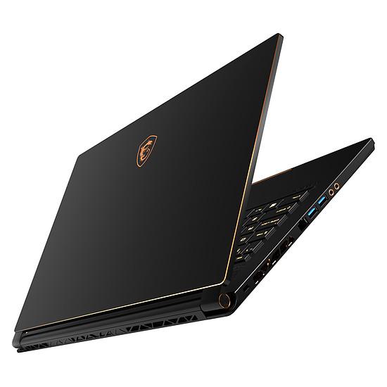 PC portable MSI GS65 Stealth Thin 8RE-400FR - Autre vue