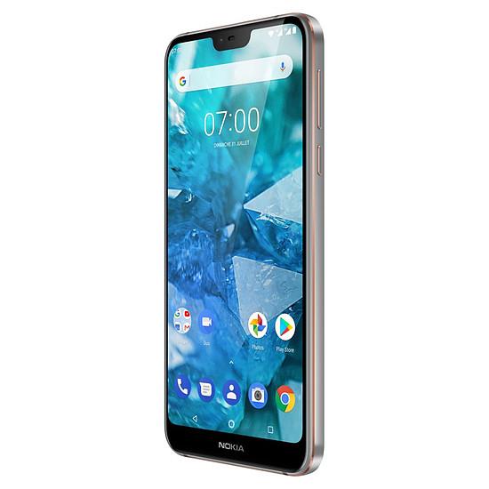 Smartphone et téléphone mobile Nokia 7.1 (acier) - 32 Go - 3 Go