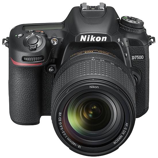 Appareil photo Reflex Nikon D7500 + AF-S DX 18-140 VR - Autre vue