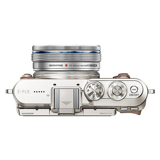 Appareil photo hybride Olympus PEN E-PL8 cognac + EZ Pancake 14-42 mm + 3 dragonnes - Autre vue