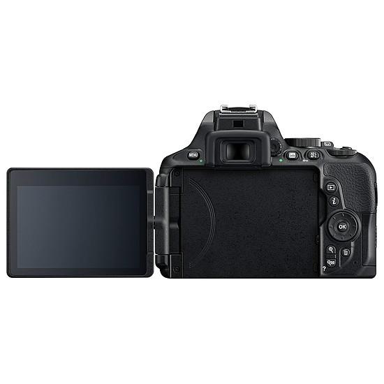 Appareil photo Reflex Nikon D5600 + Tamron 18-400mm f/3.5-6.3 Di II VC HLD - Autre vue