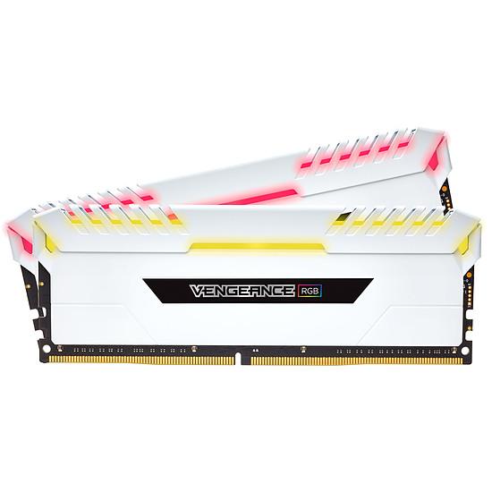 Mémoire Corsair Vengeance White RGB DDR4 2 x 8 Go 3000 MHz CAS 15