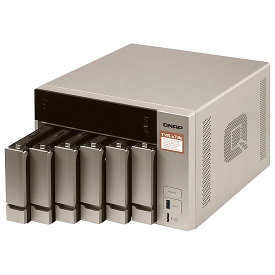 Serveur NAS QNAP TVS-673e-8G - Autre vue