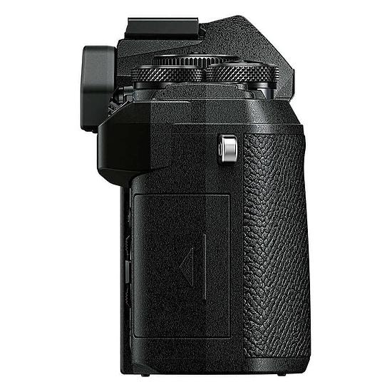 Appareil photo hybride Olympus E-M5 Mark III Noir + 14-42 mm Noir - Autre vue